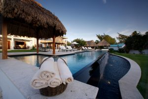 Victoria House infinity pool Belize