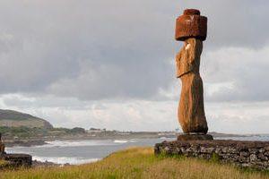 Easter_Island_-__Moais_in_Tahai