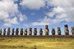 Easter_Island_-__Orongo_Moais